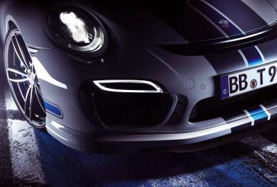 Porsche Headlights in the Night wallpaper