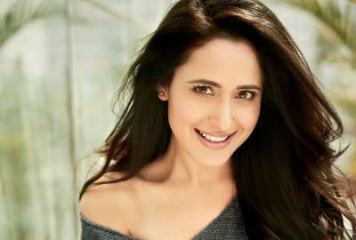 Pragya Jaiswal 4K wallpaper