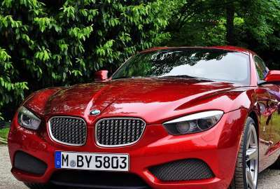 Red BMW 1205 wallpaper