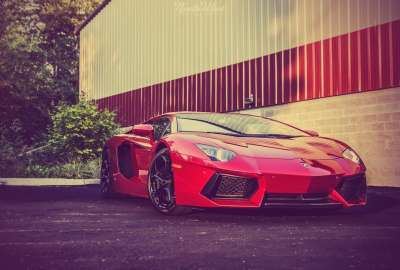 Red Lamborghini With Effect wallpaper