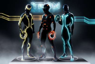 https://free4kwallpapers.com/uploads/wallpaper-cache/tron-legacy-characters-wallpaper-400x270-MM-100.jpg