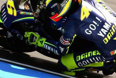 Valentino Rossi Knee Down wallpaper