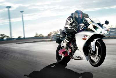 Yamaha R 2011 wallpaper