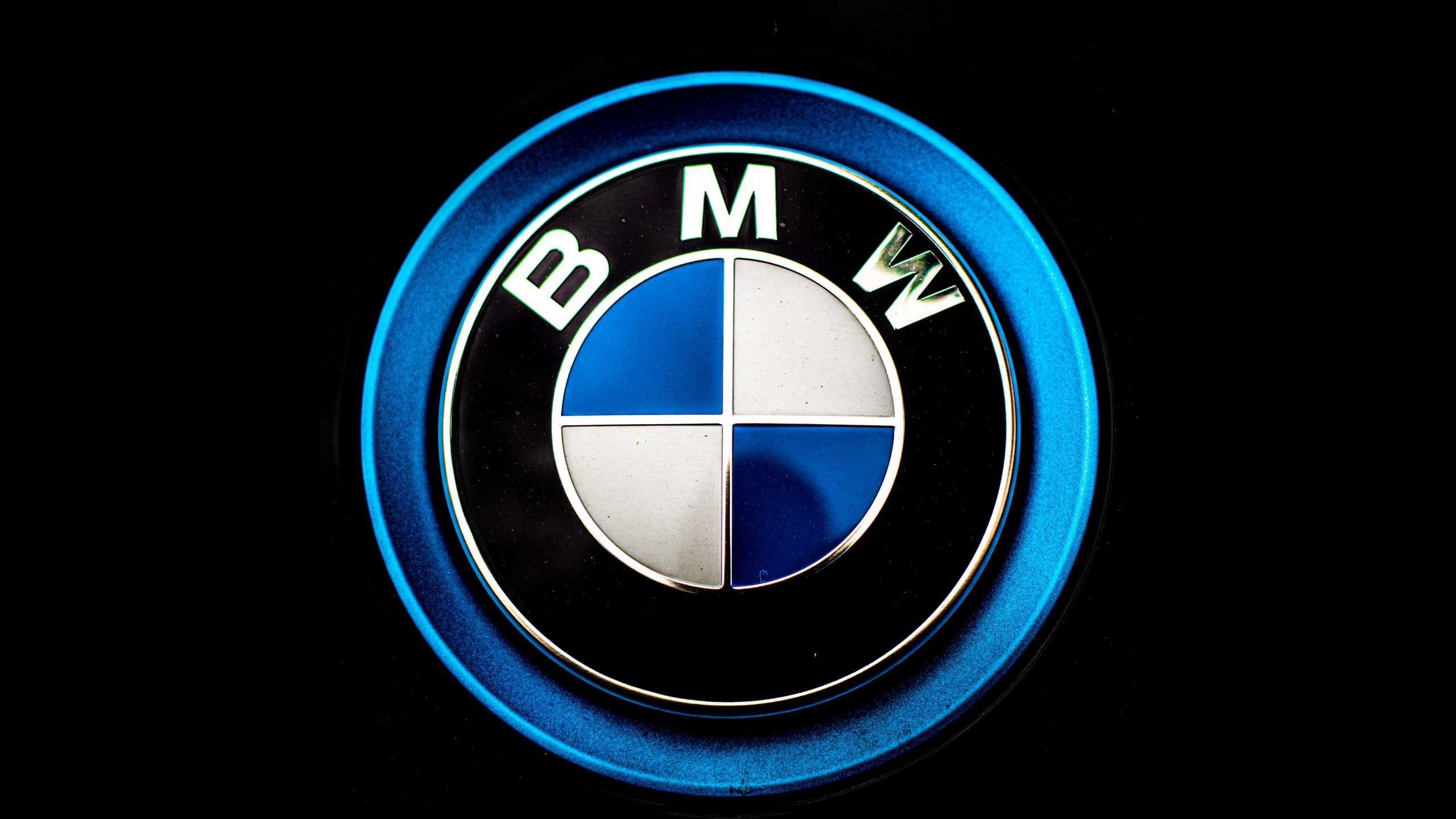 Simple Bmw Logo Wallpaper In 2560x1440 Resolution