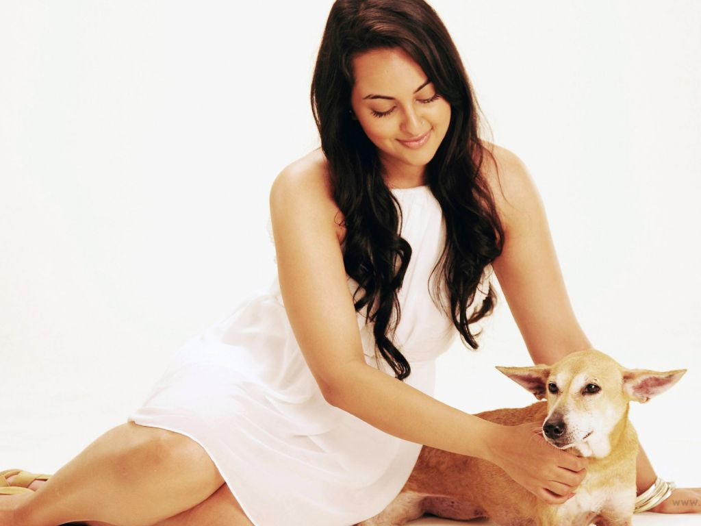 Sonakshi 4K Wallpapers For Your Desktop Or Mobile Screen